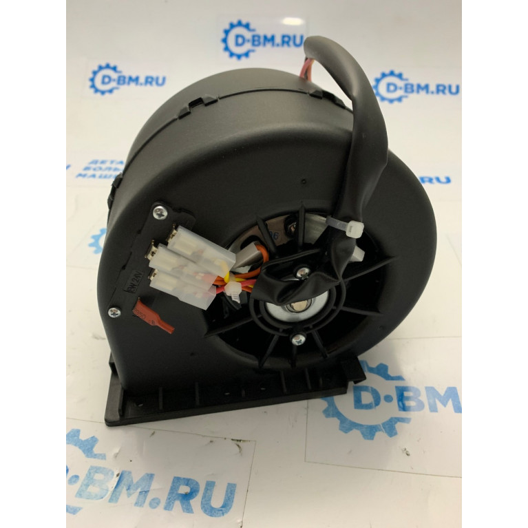 Вентилятор отопителя центробежный одиночный 3-х скоростной с резистором (аналог SPAL) 24V 04-8710 / 010-B70-74D24VGRRPA3VCB / 010-B70-74D