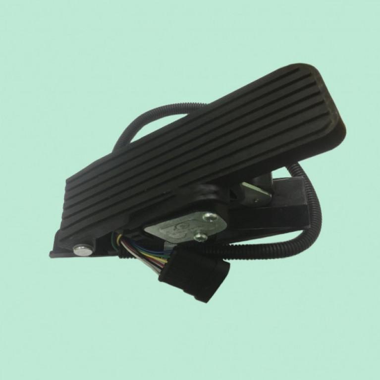 Педаль газа в сборе с площадкой (электронная,аналог 74010 КО) ФР-8122Д ФР8122Д МАЗ