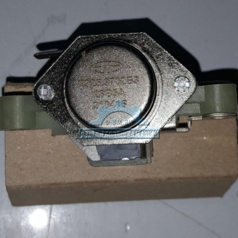 Щеткодержатель с регулятором напряжения генератор ЛиАЗ 7925.3702 МАЗ 7925.3702